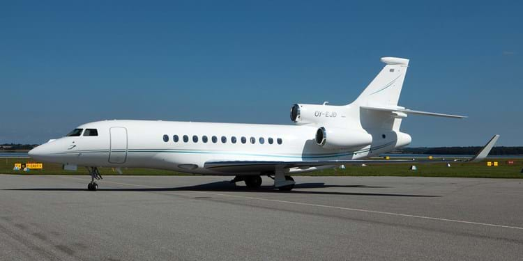 OY-EJD outside USE (Falcon7X).jpg